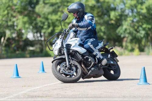 Motorrijbewijspoint Helmond motor rijtest