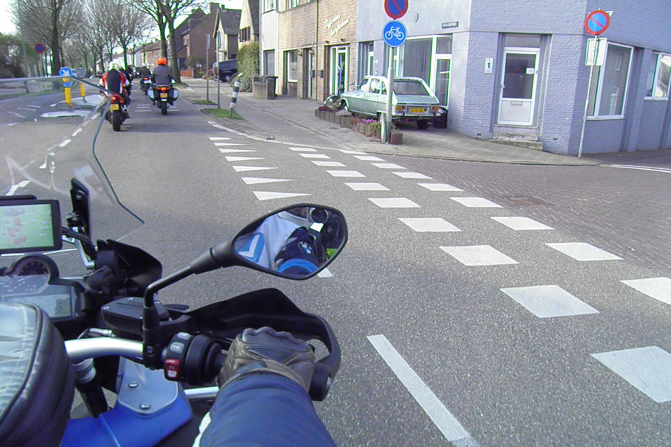Motorrijbewijspoint Helmond theorie cursus online